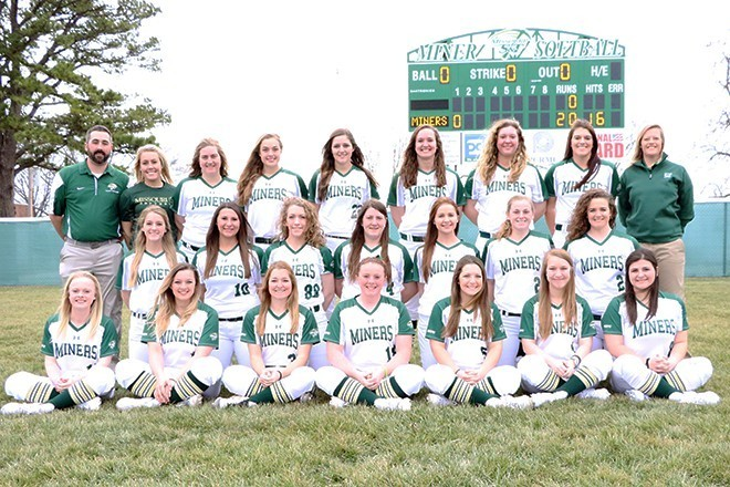 Softball Team Picture 2016